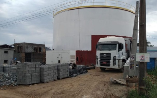 Águas de Penha conclui estrutura metálica do novo reservatório de água da cidade